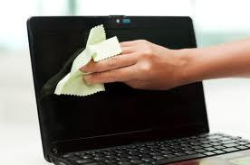 Почистване на лаптоп от прах и външни замърсители